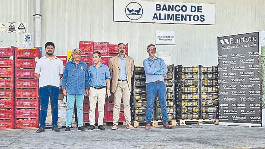 Las cooperativas entregan 3.330 kilos de productos al Banco de Alimentos