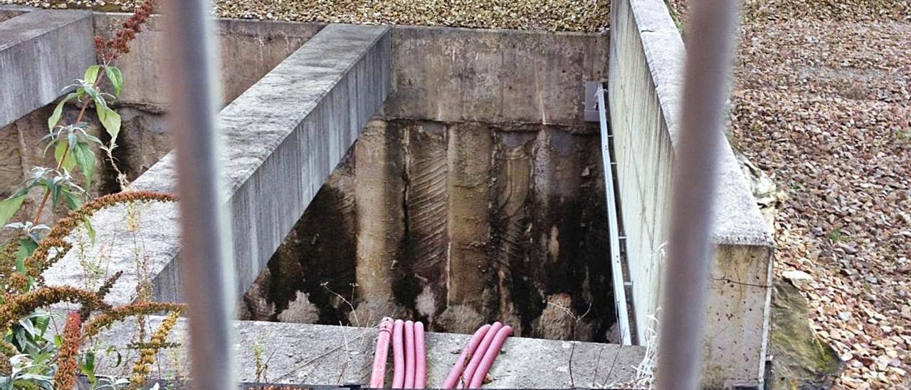 La rampa de acceso al falso túnel del soterramiento, en el barrio Urquijo de La Felguera.