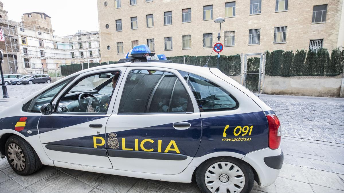 Vehículo radiopatrulla de la Policía Nacional.