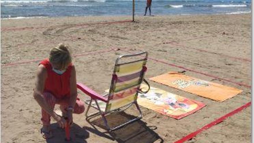 Canet prueba la parcelación de su playa