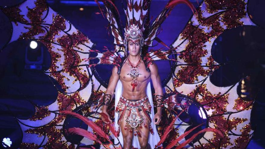 Gala de Elección del Rey del Carnaval de Verano de Puerto de la Cruz en el Lago Martiánez