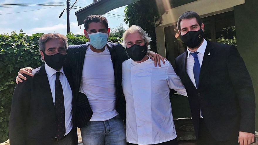 Fernando Hierro, de visita en Oviedo para acudir a un cumpleaños