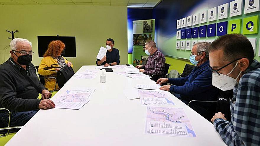La Federación Castelao recibe el plan del autobús urbano
