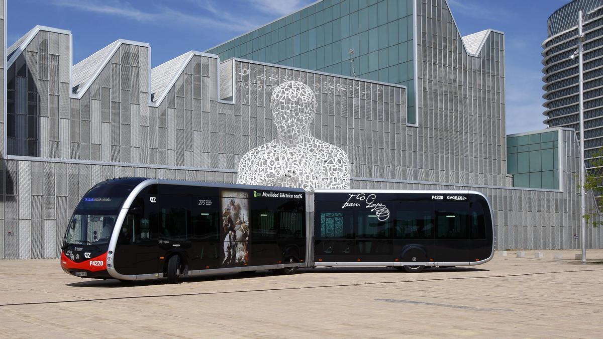 El nuevo modelo de autobús eléctrico 'ie-tram' de la empresa Irizar que circulará por Zaragoza.