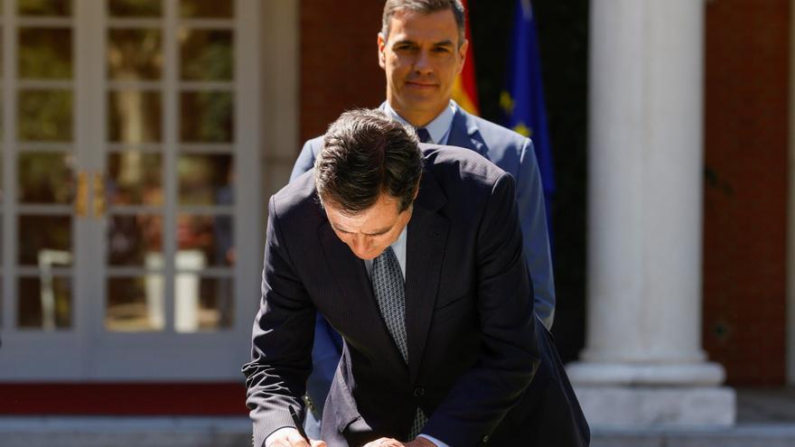 Sánchez firma con la patronal y los sindicatos el acuerdo para la reforma de las pensiones