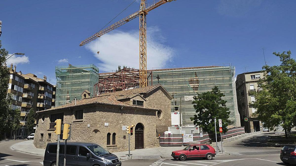 Perspectiva de les obres a l'edifici del Museu, amb la capella del Rapte al davant   ARXIU/ALEX GUERRERO
