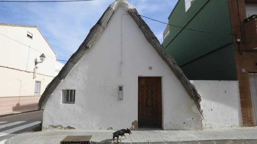 El ayuntamiento y los propietarios restaurarán la barraca del Palmar