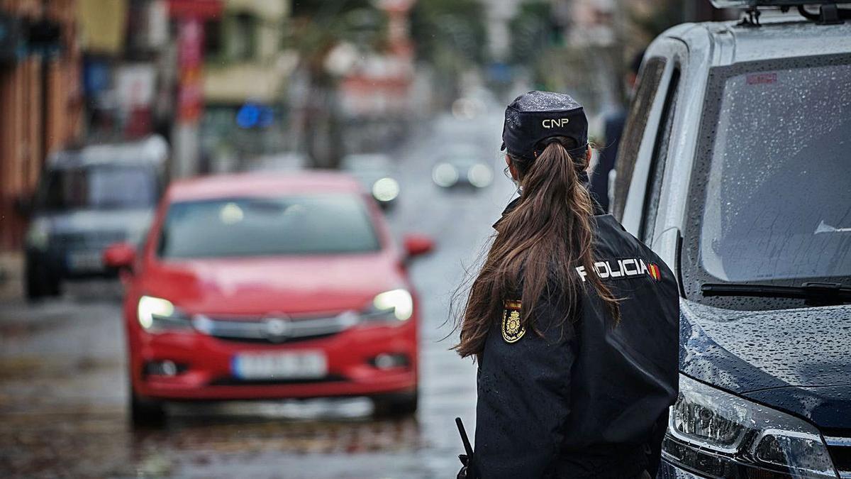 Un hombre es apuñalado en el barrio santacrucero de Finca La Multa, en Ofra