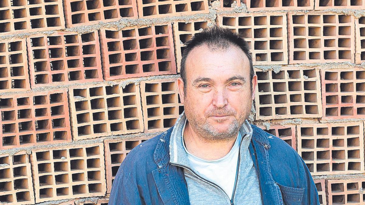 El pintor Miquel Barceló, en su tejar de Mallorca.