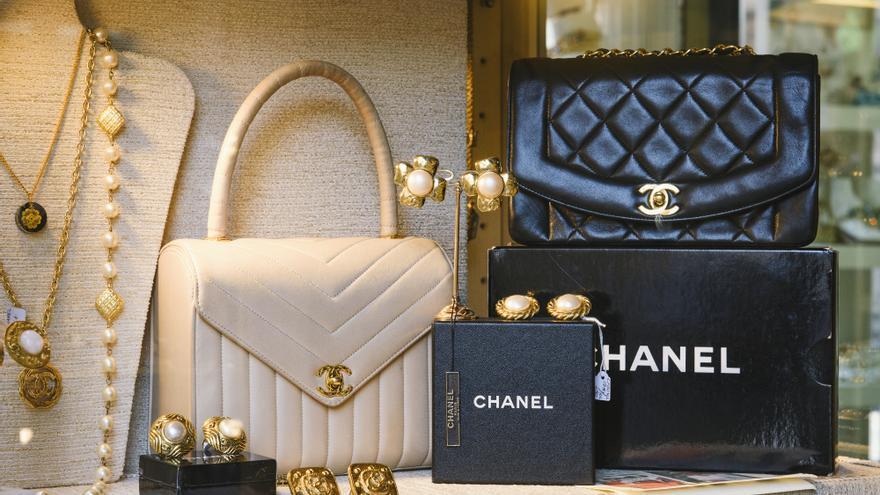 Las lecciones de moda que dejó Coco Chanel, cuando se cumplen 138 años de su nacimiento