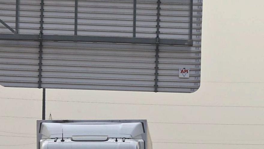 Uno de los controles del cierre del municipio de Elche. | ANTONIO AMORÓS