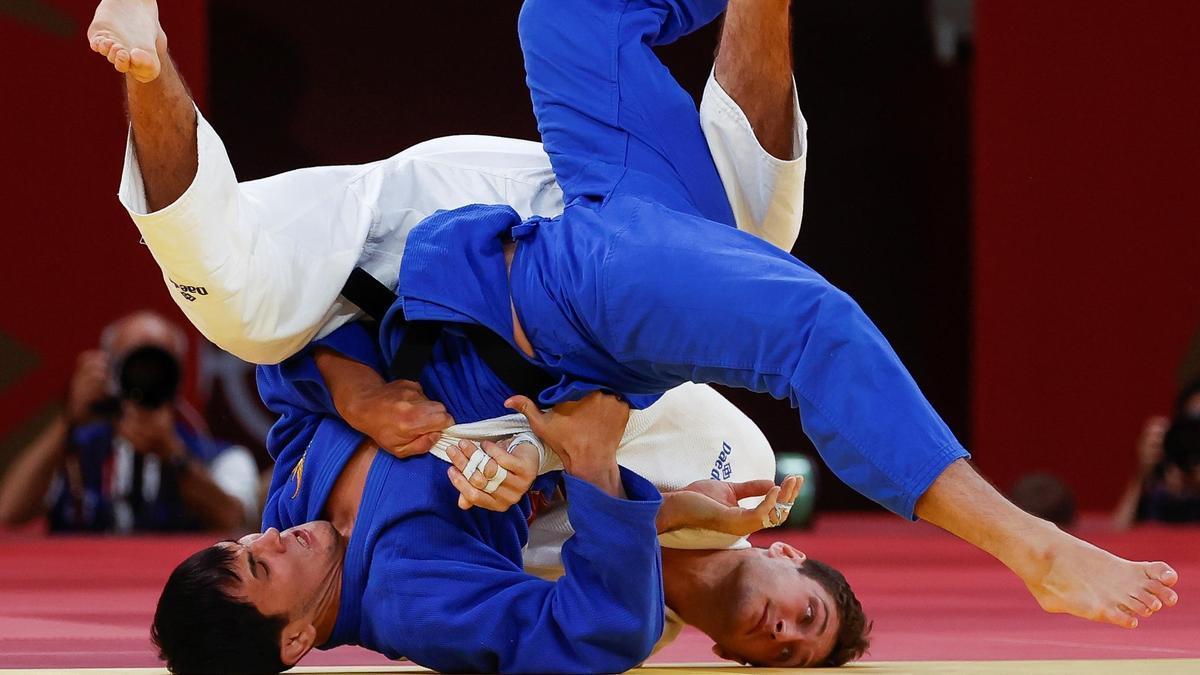 Nikoloz Sherazadishvili, en un momento del combate ante Davlat Bobonov.