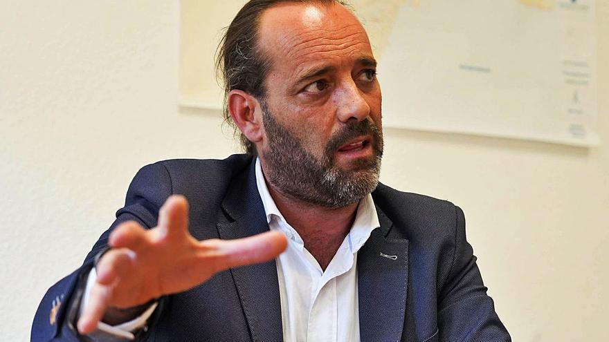 Juan Cassá vota de nuevo con la oposición y mantiene su rebeldía