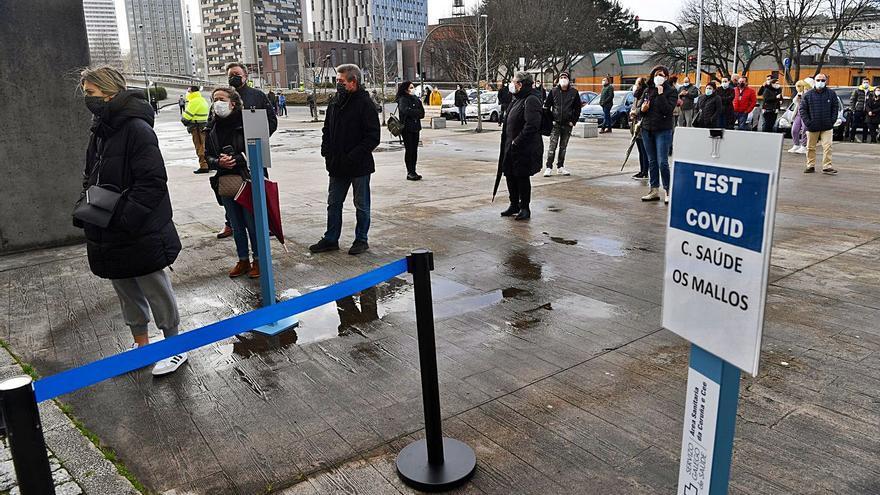 """El Sergas realizará otro cribado masivo en A Coruña porque """"preocupa"""" su evolución"""