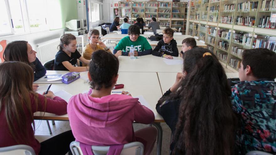 La Universidad de Elche aconseja a alumnos de institutos en materia de empleo