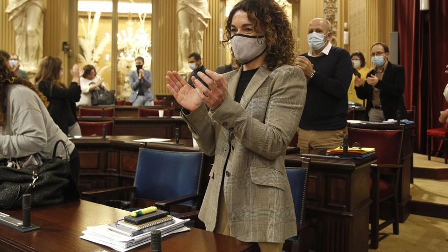 Rosario Sánchez comparecerá en el próximo pleno del Parlament para explicar el acuerdo del factor de insularidad