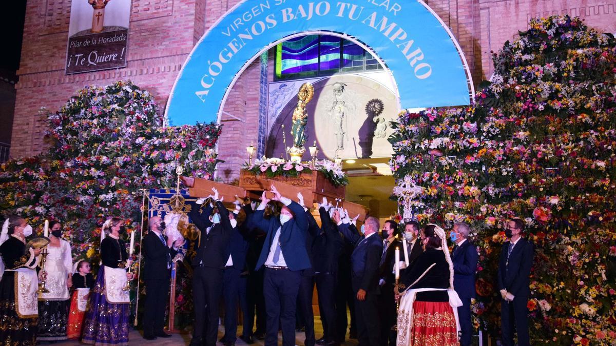 Imagen del saluda a la Virgen del día del Pilar 2021