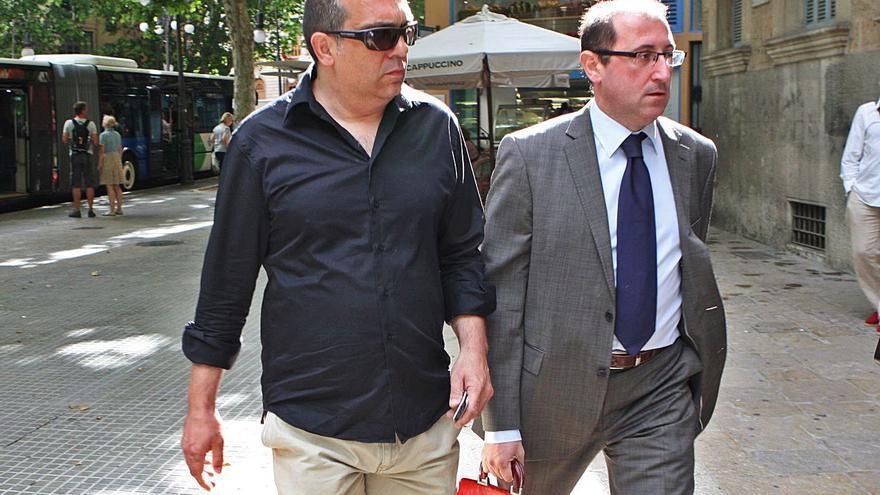 Martí March rehabilita como profesor a un excargo de UM condenado por corrupción
