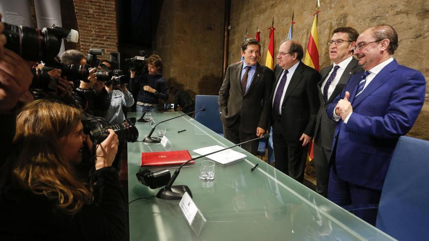 Castilla y León, Asturias, Galicia y Aragón piden financiación para pagar los servicios