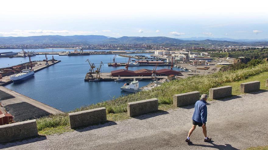 El Musel dispone de 15 millones y el plan de vías de Gijón queda con 39.840 euros