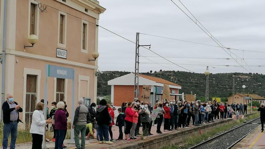 Podemos exige a Transportes que mantenga los trenes en Aragón y a Soro que negocie