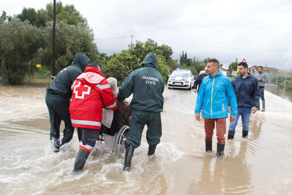 Vecinos evacuados en Almoradí
