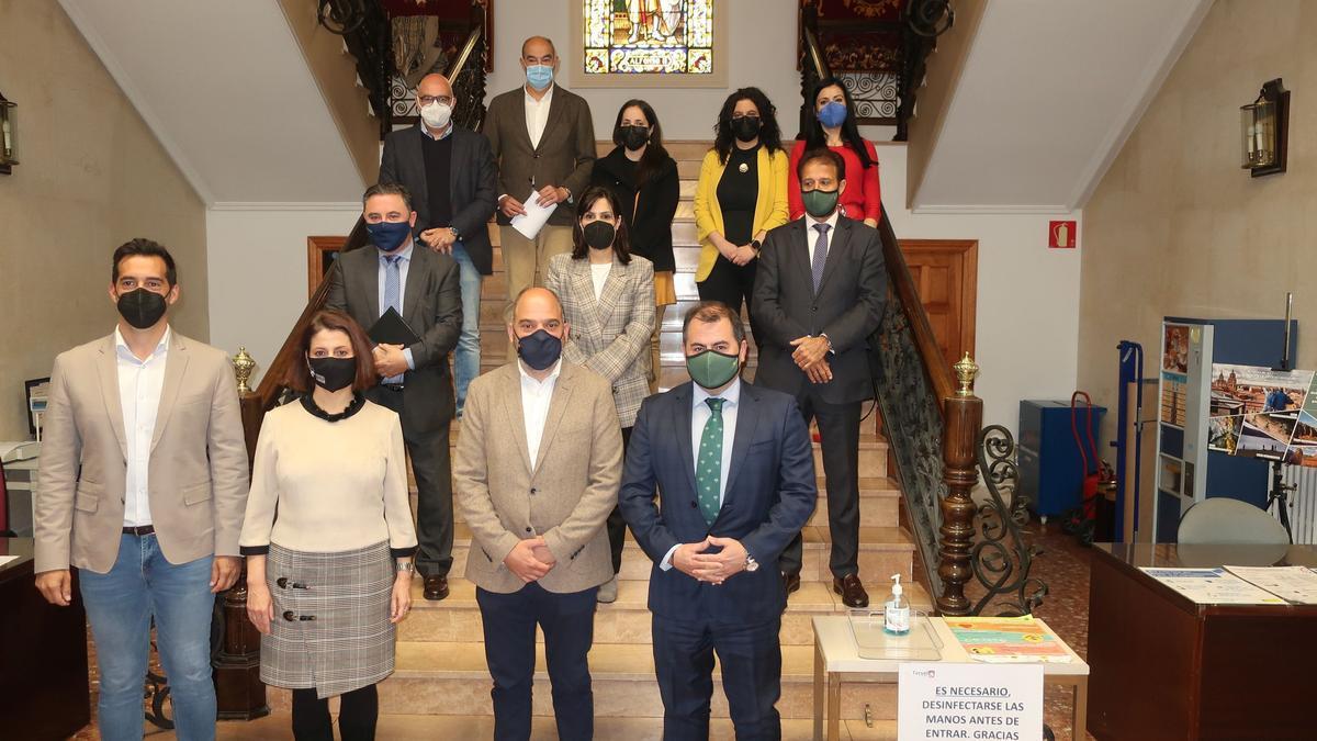 Firma del convenio, esta mañana, entre el Ayuntamiento de Teruel y la Cámara de Comercio