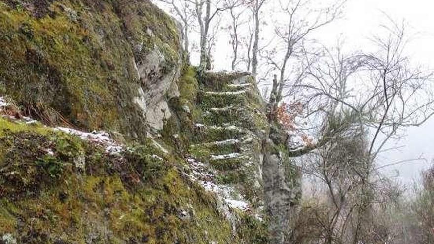 Calvos de Randín quiere poner en valor los restos del Castillo de Picoña realizando catas
