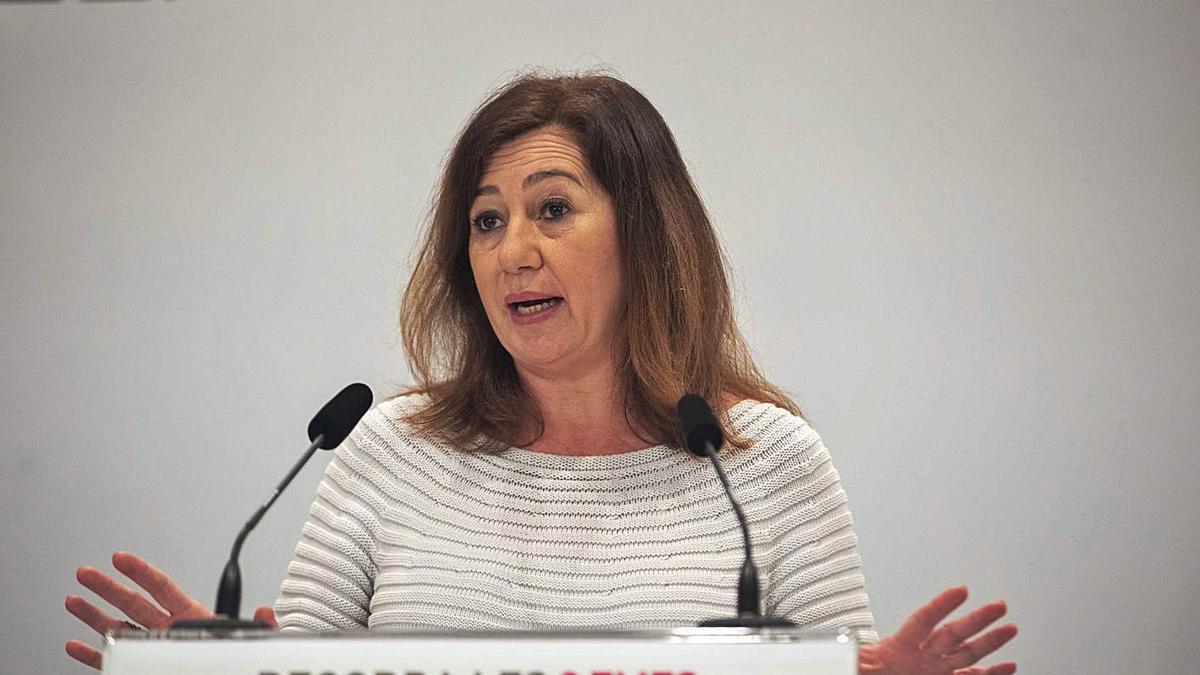 La presidenta del Govern, Francina Armengol, durante una comparecencia ante los medios.