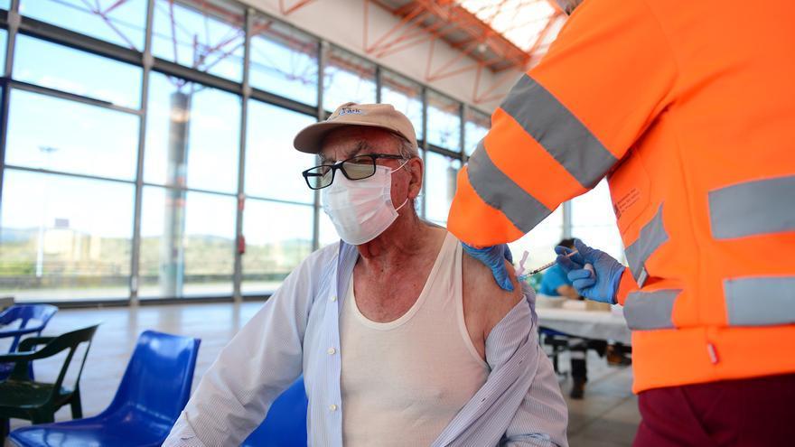 Vuelve la vacunación sin cita al ferial de Plasencia, con 371 mayores de 90 años