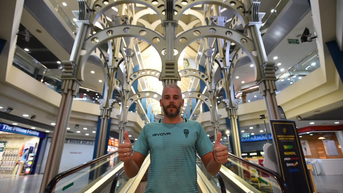 Miguelín, en las instalaciones del Supermercado Deza en el centro comercial Zoco.