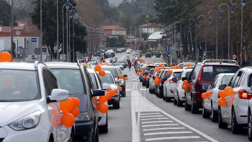 Un centenar de familias contra la Ley Celaá en Vigo