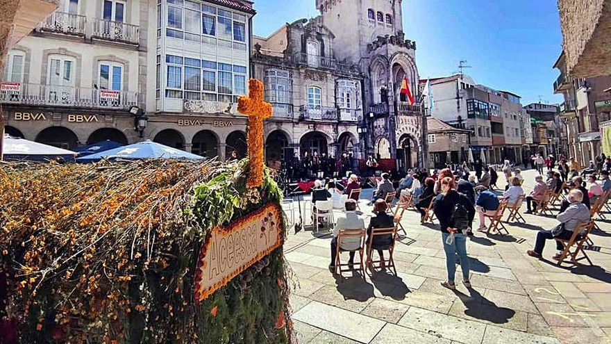 Música para celebrar la Festa dos Maios en Porriño