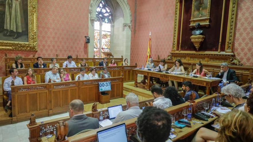Los cargos del Consell deberán expresarse desde hoy en catalán