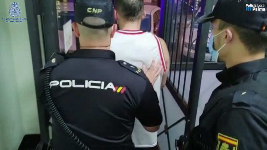 Dos detenidos por vender grandes partidas de droga en fiestas ilegales en Palma, Manacor y Eivissa