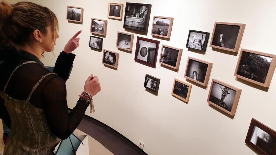 La fotógrafa Virgina Rota exhibe en Vigo la mirada de la inocencia