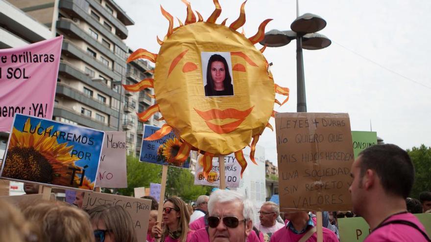 Cerca de 3.000 personas recuerdan a Leticia Rosino en Zamora