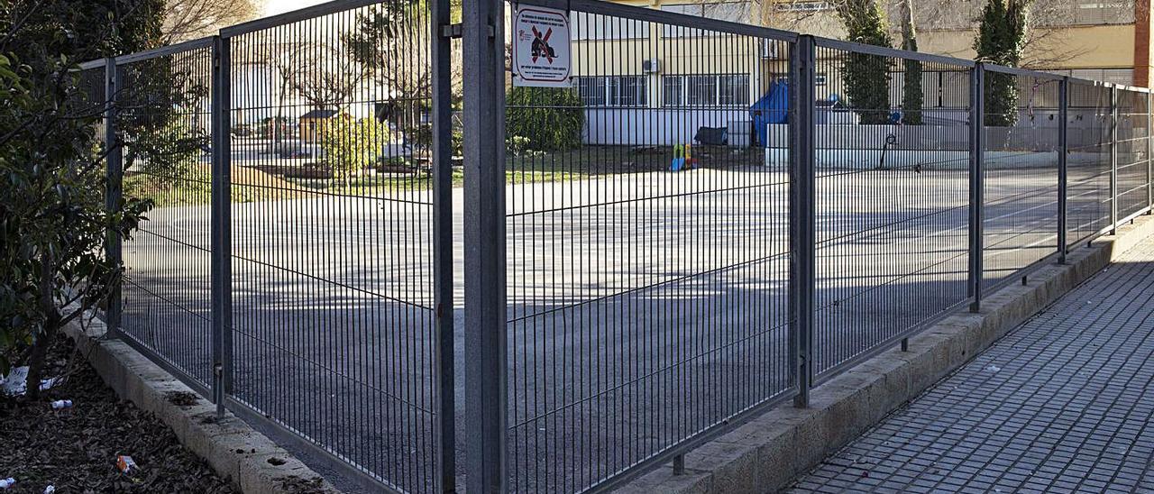 Imagen de archivo del patio del colegio Teresa Coloma, donde se ubicará el centro de salud.   PERALES IBORRA