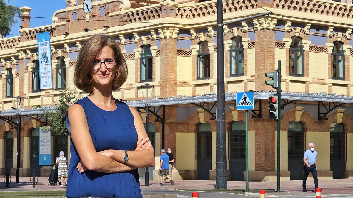 Inmaculada Serrano en la sede de Aguas de Murcia en Plaza Circular   JUAN CARLOS CAVAL