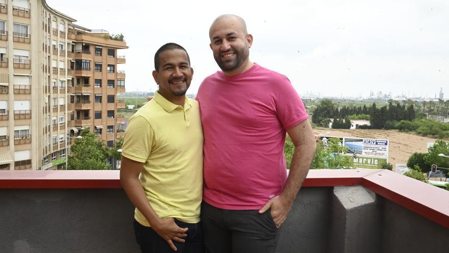 La increíble historia de William y Nelson, una pareja gay de El Salvador refugiada en Castelló