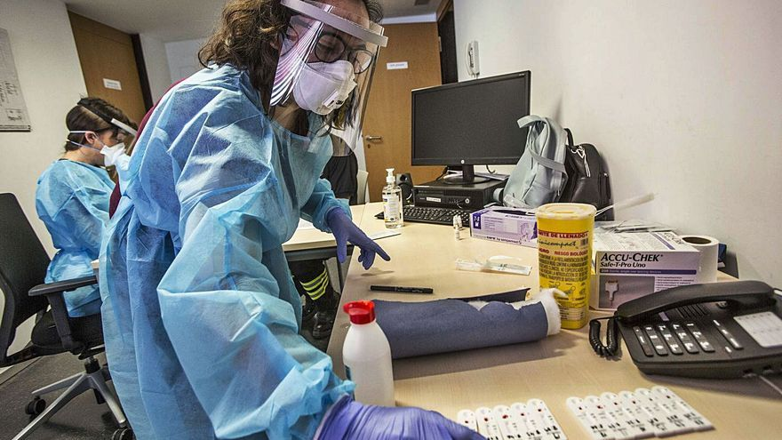 Elche recibe 2,5 millones para reforzar la plantilla que lucha contra la pandemia