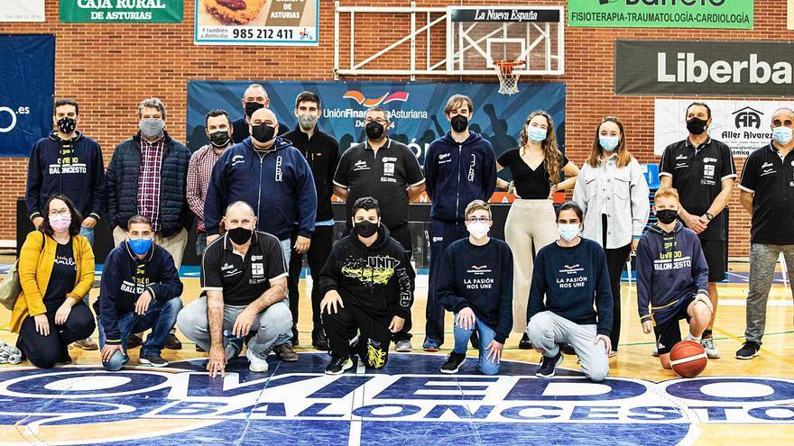 El creciente número de trabajadores, símbolo de la evolución del Oviedo Baloncesto