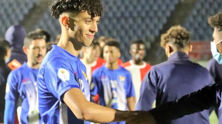 El juvenil Khalid Noureddine debuta amb la Unió al Narcís Sala