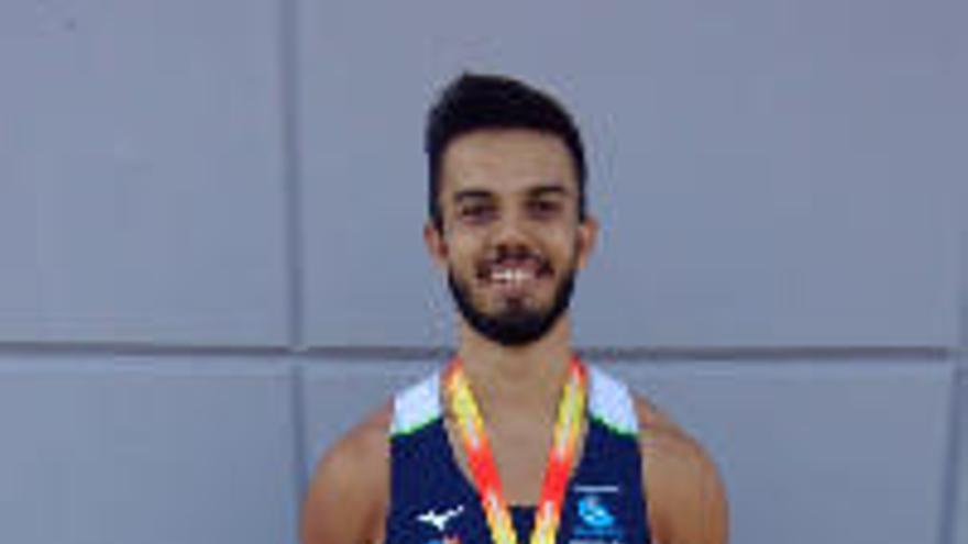 Víctor Román, del Tenerife CajaCanarias, campeón de España sub'23 en jabalina