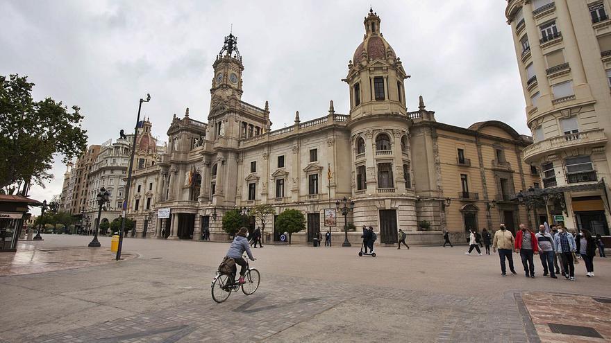 El diseño definitivo de la plaza del Ayuntamiento se encamina a la peatonalización total