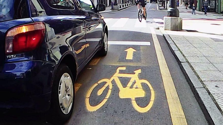 El carril bici de la discordia en Oviedo