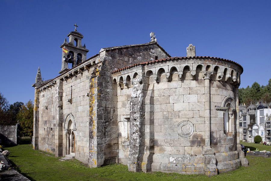 Vista trasera y lateral San Martiño de Cameixa@turismo.gal.jpg