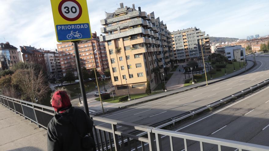 """El proyecto de Oviedo para acabar con 40 años de aislamiento en la Ronda Sur ilusiona a los barrios: """"Ya es hora de hacer algo"""""""