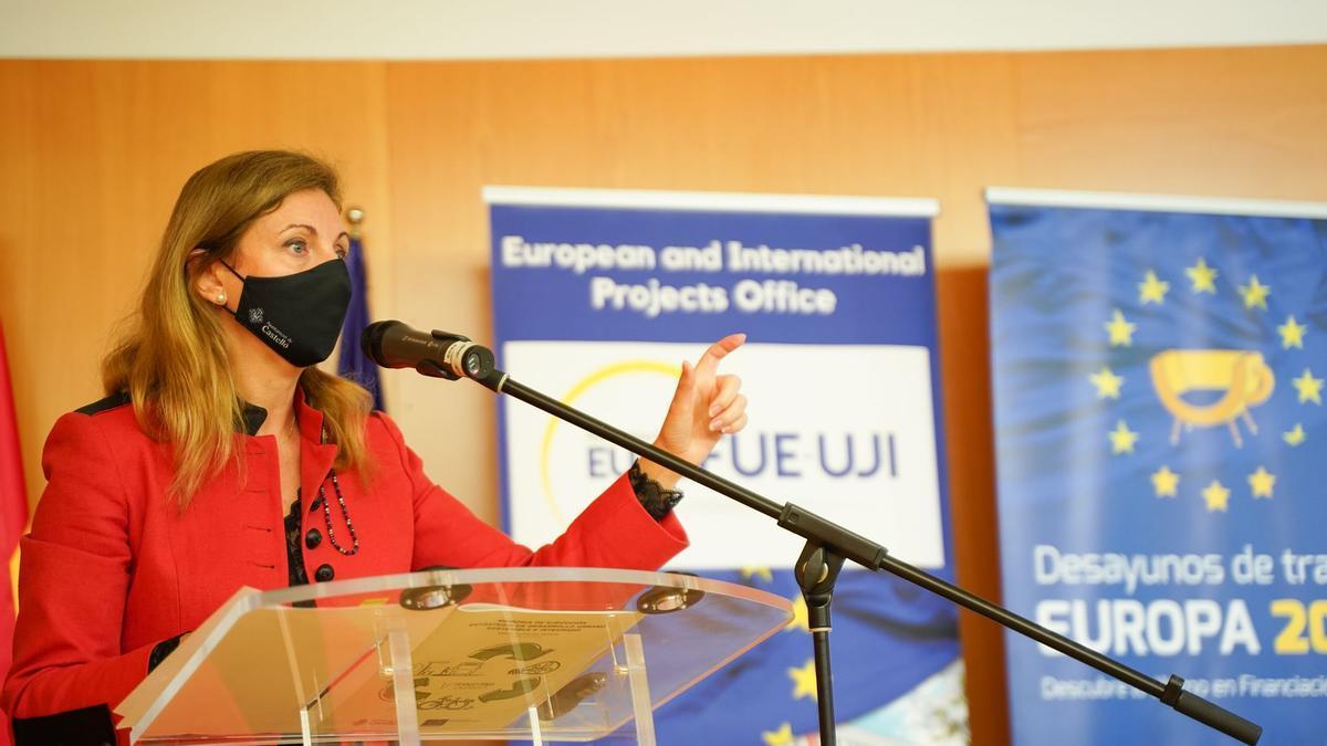 La alcaldesa Amparo Marco, ayer, en el acto sobre Europa.
