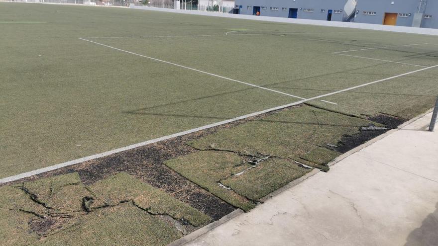 El Ayuntamiento de Lucena licita en 156.000 euros la renovación del césped del campo de fútbol